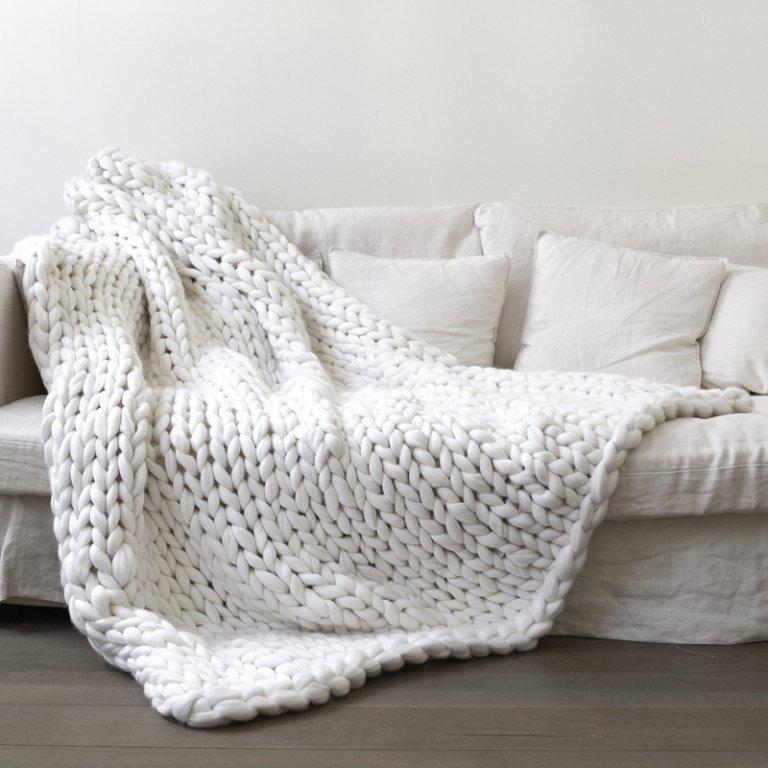 HAKOONA-Chunky-Knitted-Blankets-throws-Blanket-Ultra-Plush-Decorative-Throw-Blanket-Queen-Bedroom-2.jpg