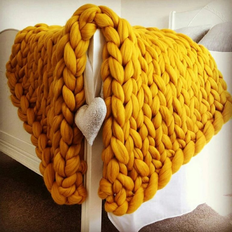 HAKOONA-Chunky-Knitted-Blankets-throws-Blanket-Ultra-Plush-Decorative-Throw-Blanket-Queen-Bedroom-4.jpg