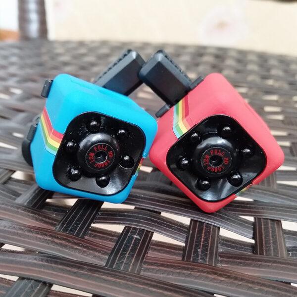 SQ11-Mini-Kamera-HD-1080-P-Gece-Gr-Kamera-Ara-DVR-kzl-tesi-1.jpg