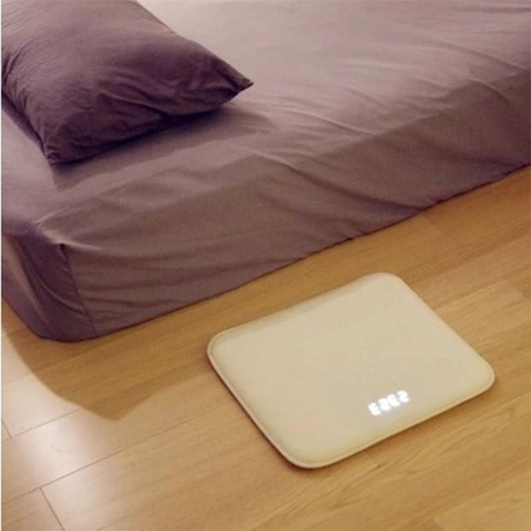 Smart-Alarm-Clock-Carpet-Electronic-Digital-Clock-Touching-Music-Mat-Clock-White-Collar-Student-Lazy-Alarm.jpg