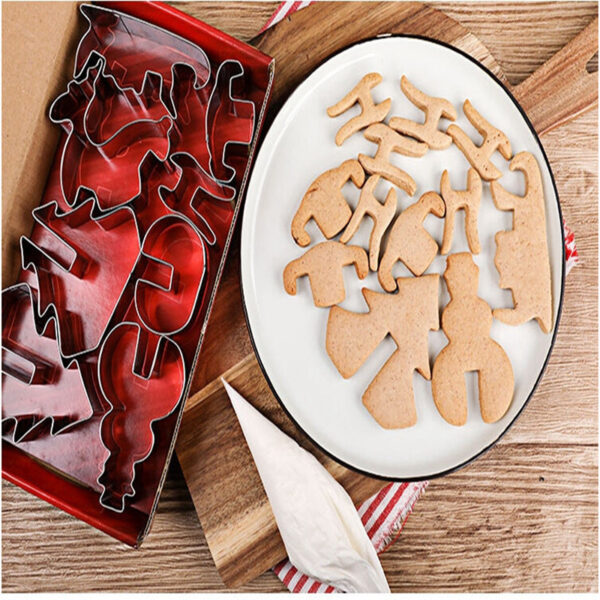 8pcs set Stainless Steel 3D Christmas Cookie Cutters Cake Cookie Mold Fondant Cutter DIY Baking Tools 2