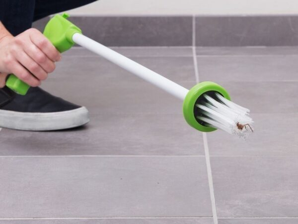My Critter Catcher Long Handled Insect Grabber Travel Eco Friendly Catch Release Spiders and Insects 1