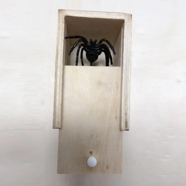 Hot Sale New Surprise Animals Spider Bite in Wooden Box Gag Gift Practical Funny Joke Prank 4