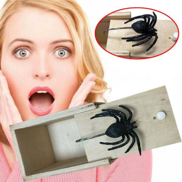 Hot Sale New Surprise Animals Spider Bite in Wooden Box Gag Gift Practical Funny Joke Prank