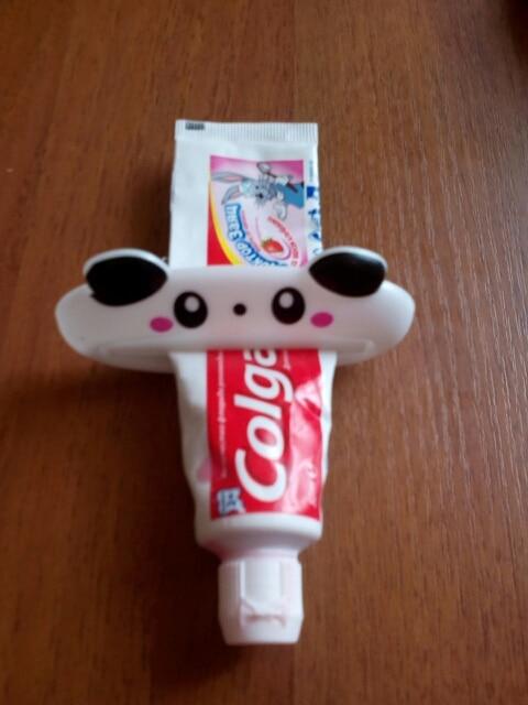 ISHOWTIENDA HOT 1pc 9cm 4 cm Bathroom Home Tube Rolling Holder Squeezer Easy Cartoon Toothpaste Dispenser 4