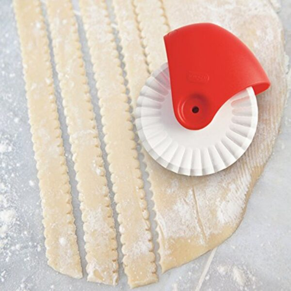 Pastry Cuter Rolling Wheel Decorator To Ensure Smooth Cutting DIY Rust Proof Manual Noodle Cutter Knife