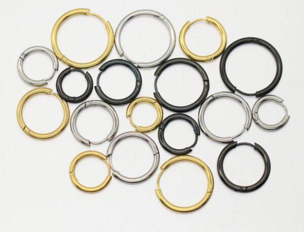 Pendentes de aro pequenos de aceiro inoxidable de 2 unidades para mulleres, pendentes de anel de orella de círculo negro dourado 4
