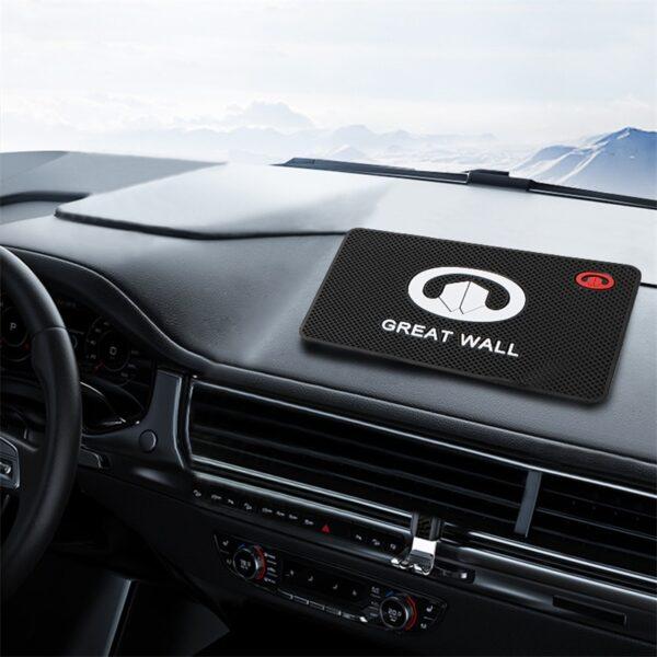 የመኪና አርማ ፀረ ተንሸራታች ምንጣፍ ስልክ ያዥ ያልሆነ ተንሸራታች የማይለብስ ተንሸራታች ፓድ ለ BMW Mazda 3